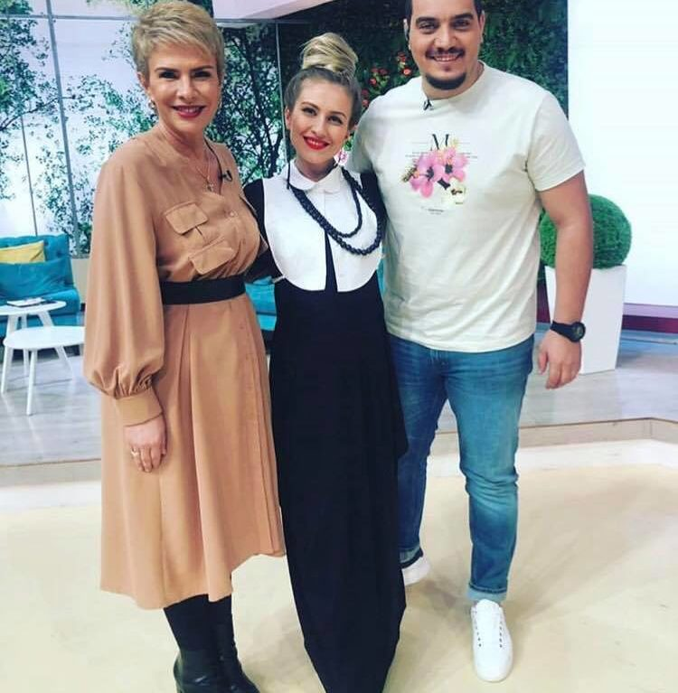 Hairstyle for Ester Peony on Teo Show